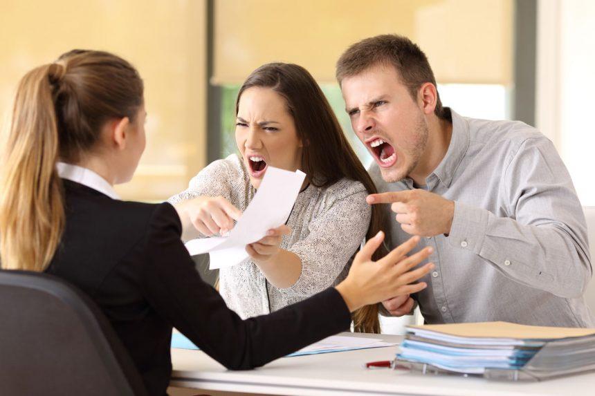 Suspekte Praktiken von Rechtsanwälten und Steuerberatern